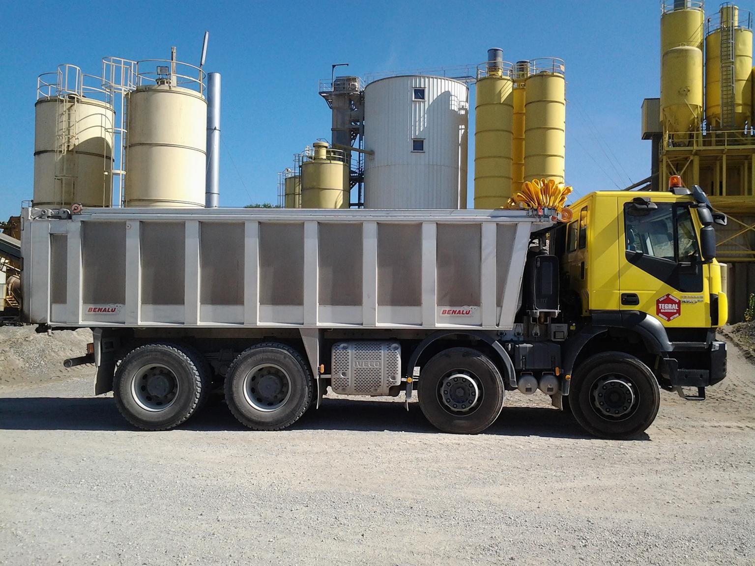 Tegral partenaire du BTP livraison en vrac, silo, big-bag, palettes
